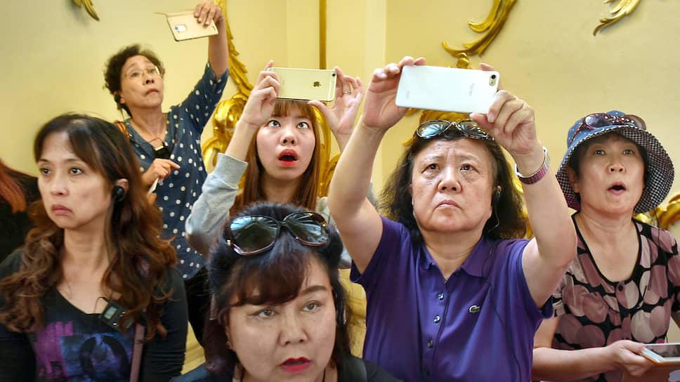 По системе «все свои»  / Как китайских туристов принимают в России и почему они стали проблемой