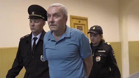 Отец полковника Захарченко раскритиковал свой приговор  / Осужденный по делу о растрате заявил, что не представляет угрозы для общества