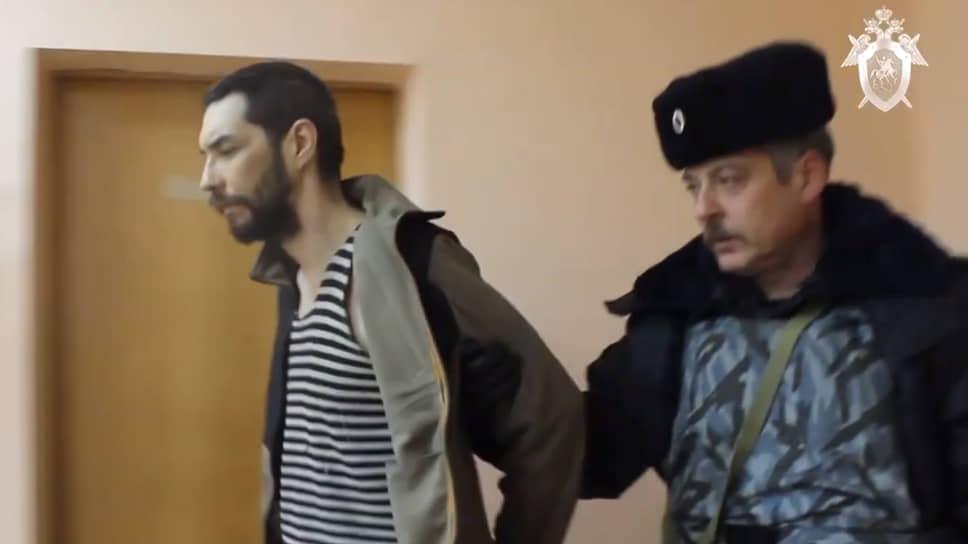 Денис Поздеев (слева)