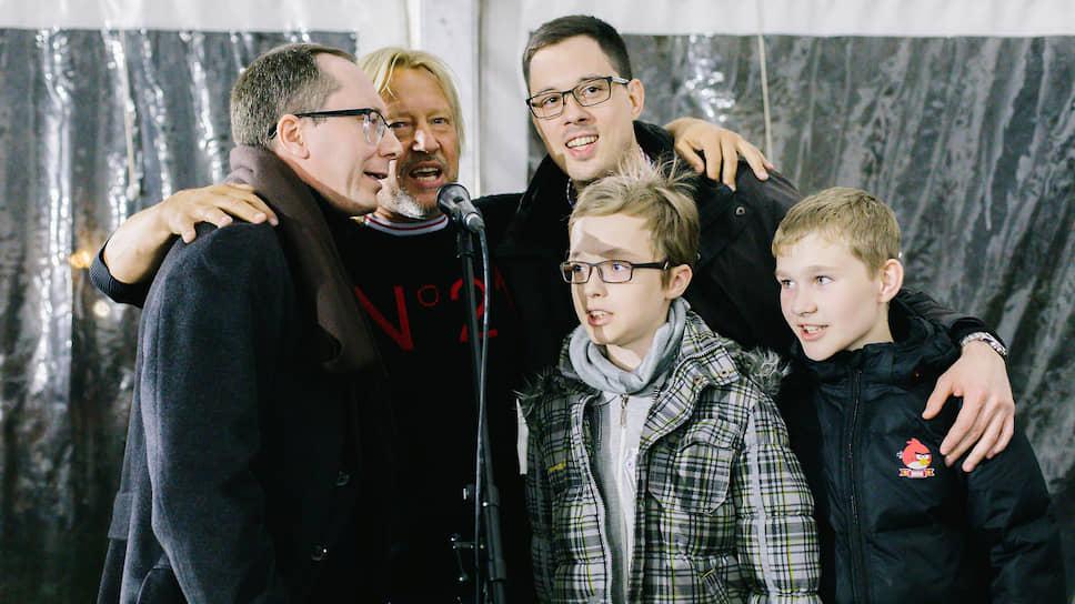 Актер Дмитрий Харатьян и участники Дня памяти благотворительного фонда «Вера»
