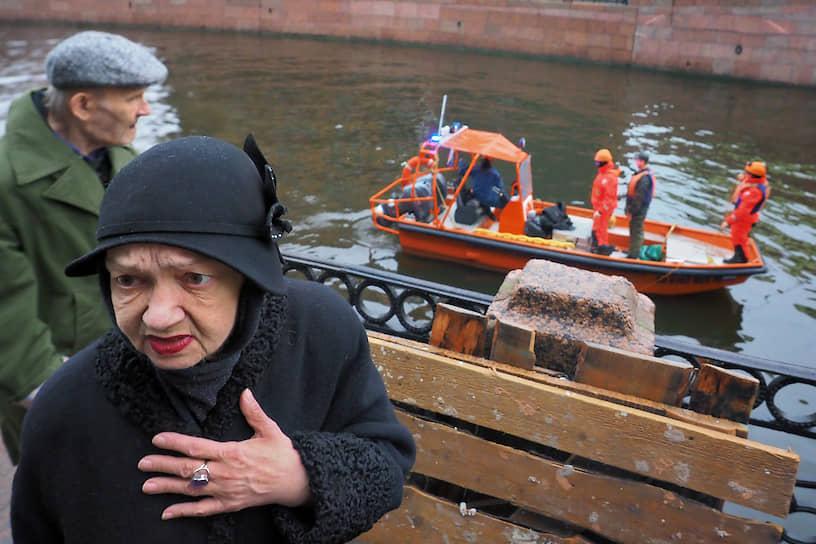 9 ноября в Санкт-Петербурге следователи задержали историка, реконструктора и доцента СПбГУ Олега Соколова по подозрению в убийстве
