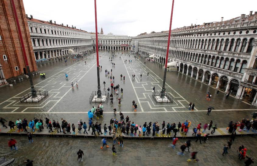 Мэр Венеции Луиджи Бруньяро назвал наводнение «настоящей катастрофой»