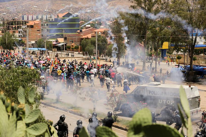 23 октября стал первым днем бессрочной публичной забастовки сразу в пяти департаментах Боливии