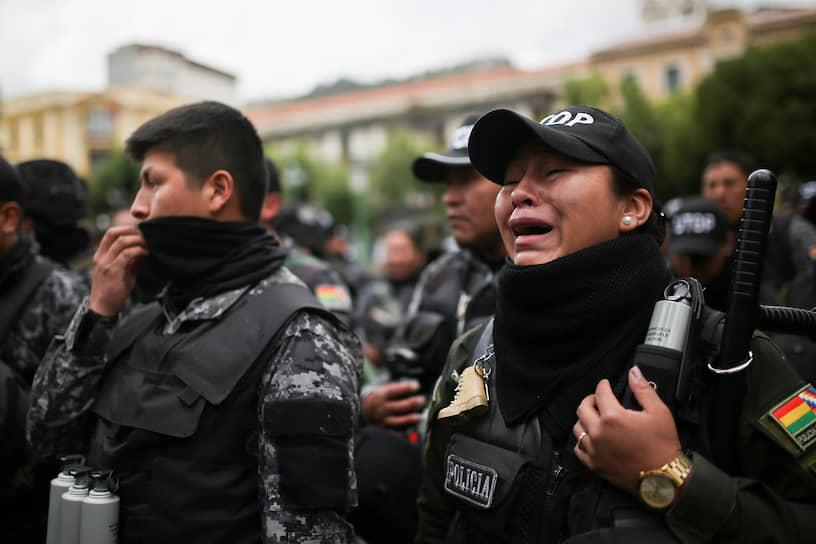 Первыми протестующих поддержали стражи порядка города Кочабамба. Позже к ним присоединились полицейские из других крупных городов