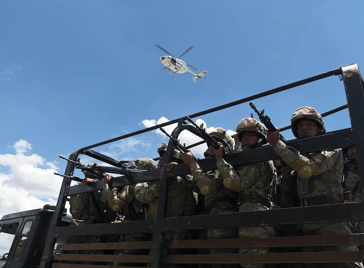 10 ноября комиссия Организации американских государств объявила об итогах проверки результатов выборов в Боливии. Были обнаружены серьезные нарушения и манипуляции с голосованием, отменявшие победу Эво Моралеса