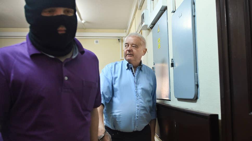 Россия, Литва и Норвегия разыграли шпионскую партию / Три страны обменялись пятью осужденными