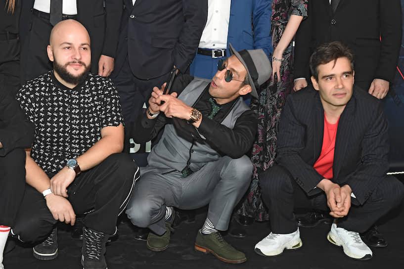 Слева направо: режиссер Егор Баранов, актеры Артем Ткаченко и Петр Федоров на премьере фильма «Аванпост» в кинотеатре «Каро 11 Октябрь»