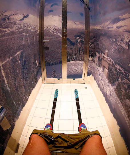 <b>К спуску готов!</b><br> Туалет для лыжников на зимнем спортивном курорте «Роза Хутор» в Сочи
