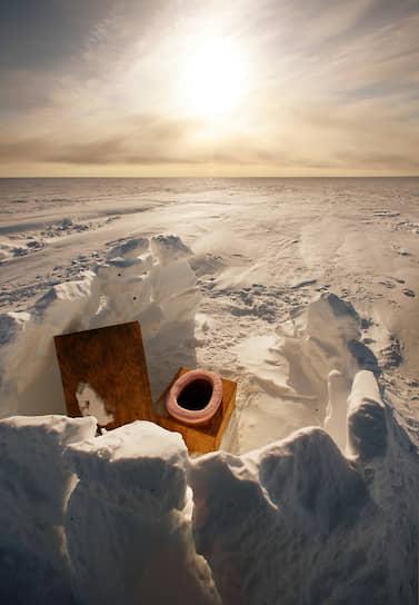<b>Нужде холод не помеха</b><br> Открытый туалет в швейцарском исследовательском центре в Гренландии