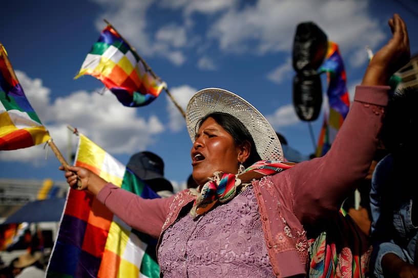 Кочабамба, Боливия. Сторонники бывшего президента Эво Моралеса во время демонстрации