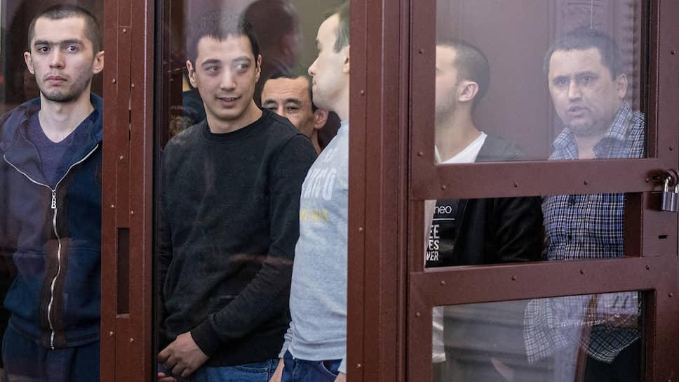 Слева направо: Азамжон Махмудов, Дилмурод Муитдинов, Ибрагимжон Эрматов, Сейфулла Хакимов