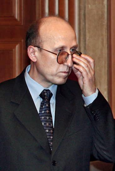 Экс-руководитель Федеральной налоговой службы РФ, бывший вице-губернатор Санкт-Петербурга <b>Михаил Мокрецов </b> после службы в армии в 1986 году пришел на должность бухгалтера завода «Большевик» советско-голландского СП DAP International