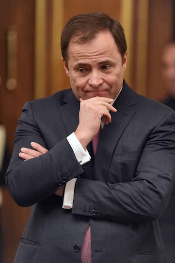 Бывший глава «Роскосмоса» и президент ОАО «АвтоВАЗ», а ныне полномочный представитель президента РФ в Приволжском федеральном округе <b>Игорь Комаров</b> с 1992 года работал в банковском секторе. С 1994 года трудился заместителем главного бухгалтера, затем главным бухгалтером и первым вице-президентом «Инкомбанка»