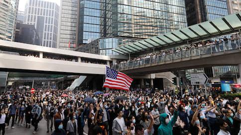 Сенат США вступился за Гонконг  / Новый законопроект позволит Вашингтону усилить давление на Пекин