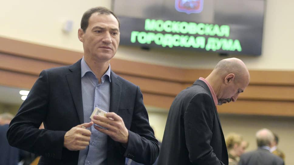 Московские депутаты отделаются предупреждением
