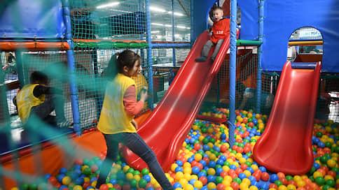 Детским игровым комнатам придумали взрослые правила  / В Мосгордуме предлагают не нанимать в них судимых граждан без медкнижек