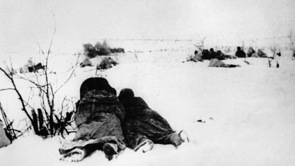Красноармейцы атакуют огневую точку противника, 1940 год