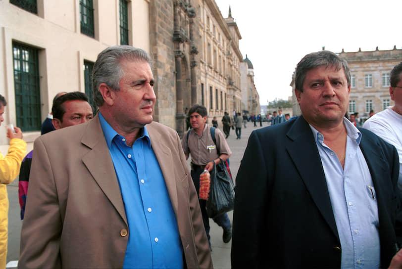 Колумбийский наркобарон <b>Хорхе Луис Очоа Васкес</b> был одним из членов Медельинского кокаинового картеля. Его личное состояние в 1987 году Forbes оценивал в $3 млрд, а вместе с братьями — до $6 млрд. В 1984 году они сделали заявление, что за каждую экстрадицию из страны они будут убивать 10 колумбийских судей. Скончался от инфаркта 25 июля 2013 года