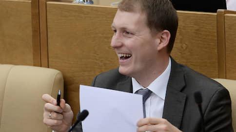 """«LOL»  / Экс-депутат Госдумы Роберт Шлегель ответил на вопросы """"Ъ"""" об эмиграции в Германию"""