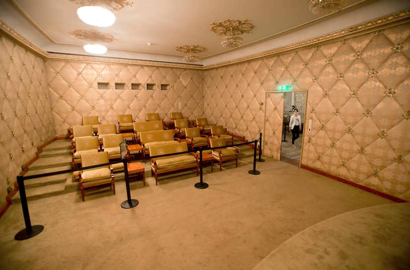 Супруги Чаушеску обладали единственным в социалистической Румынии домашним кинотеатром