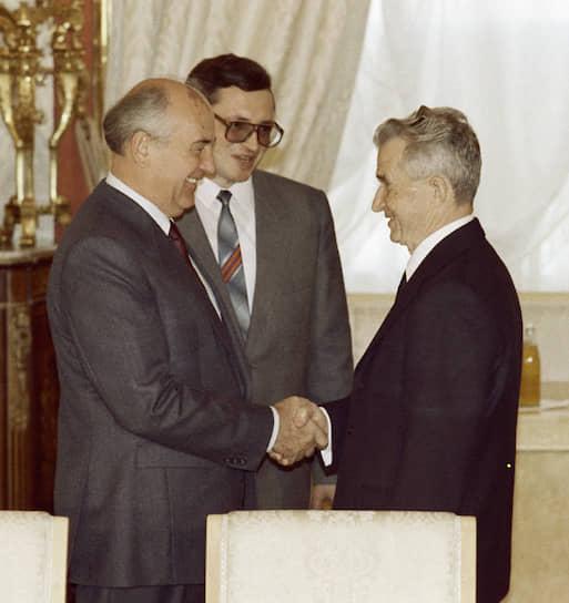 Свой последний визит в Советский Союз Николае Чаушеску нанес за три недели до смерти