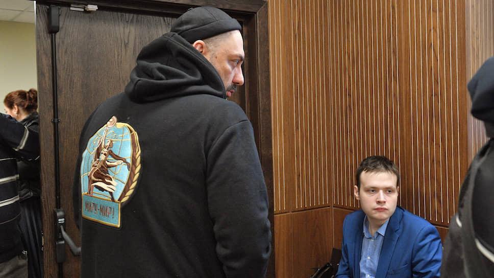 Кирилл Серебренников (слева)