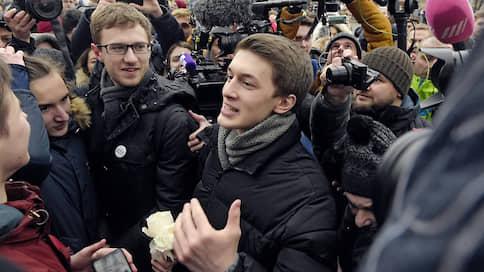 «Благодарить, кажется, особенно не за что» // Что говорят о приговорах фигурантам «московского дела»
