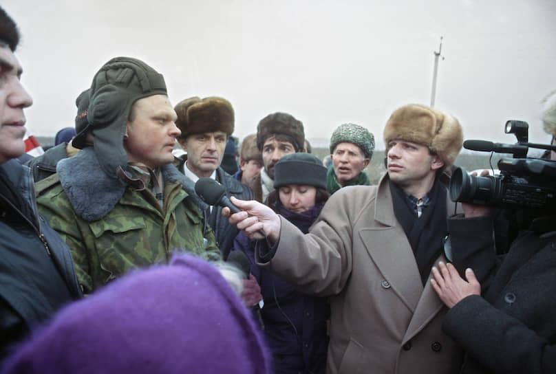 <b>Иван Бабичев</b> с 1992 по 1995 годы командовал 76-й гвардейской воздушно-десантной Псковской дивизией. В январе 1995 года был назначен командующим группировкой «Запад», принимавшей участие во взятии Грозного, Аргуна и Гудермеса. После войны командовал 67-м армейскими корпусом Северо-Кавказского военного округа. Принимал участие во второй чеченской войне. Затем был вице-премьером Чечни. С 2005 года работал первым замначальника объединенного штаба ОДКБ