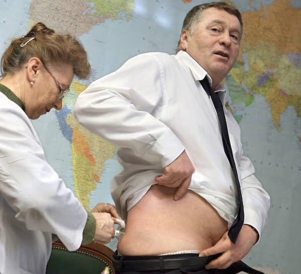2006 год. Во время вакцинации против птичьего гриппа в здании Госдумы