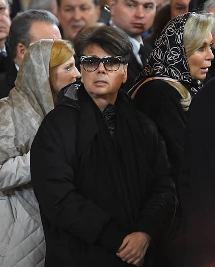 Модельер Валентин Юдашкин во время церемонии прощания