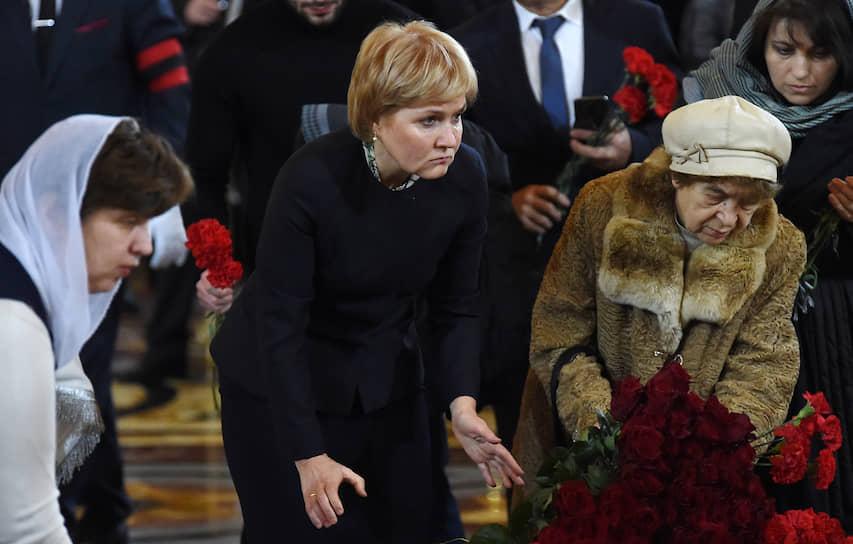 Заместитель председателя правительства России Ольга Голодец (в центре) во время церемонии