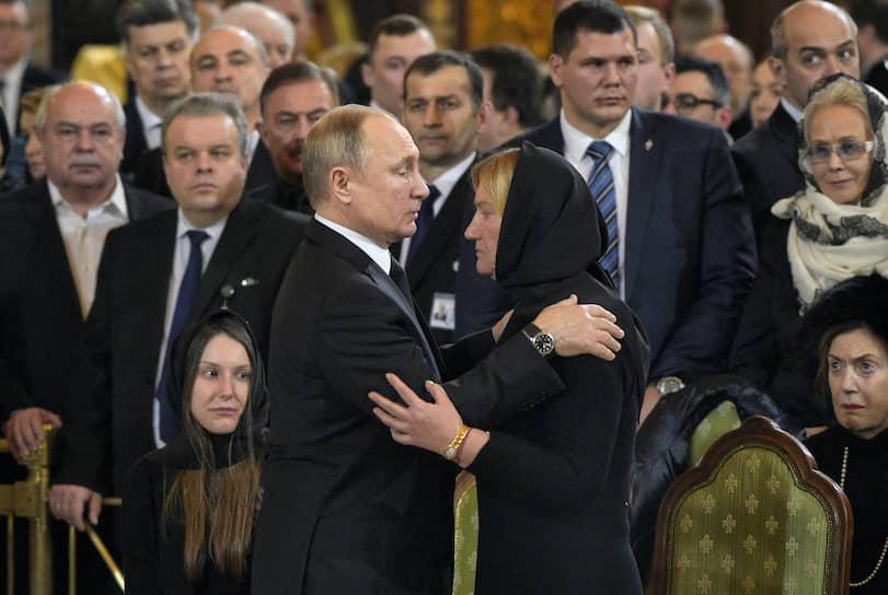 Президент России Владимир Путин с вдовой Юрия Лужкова Еленой Батуриной