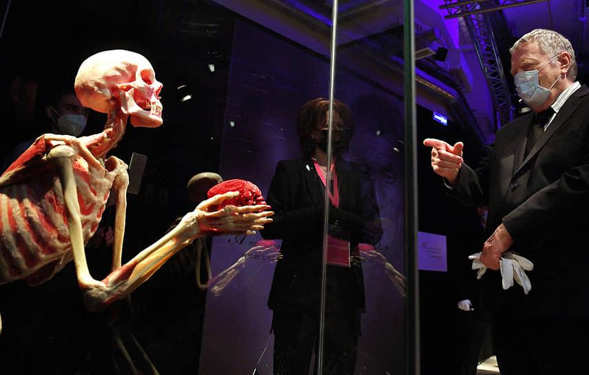 2021 год. Владимир Жириновский на анатомической выставке «Body Worlds. Мир тела» в павильоне № 21 ВДНХ