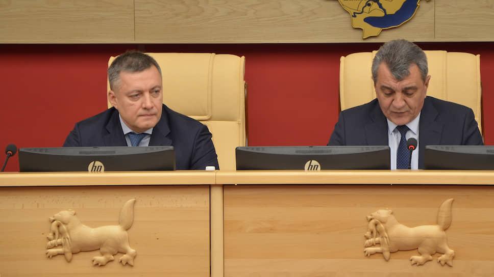 Врио губернатора Иркутской области Игорь Кобзев (слева) и полпред президента в СФО Сергей Меняйло