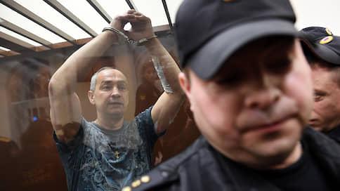 У Александра Шестуна отсудили активы, а теперь будут судить его самого  / Закончено уголовное дело о предполагаемых махинациях экс-главы Серпуховского района