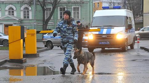 Россию накрыла новая волна телефонного терроризма  / Только в Москве за неполный месяц было эвакуировано более 700 тысяч человек