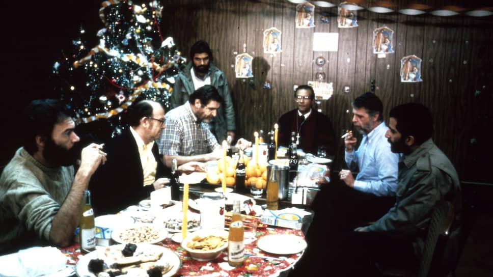 Американские заложники встретили в плену два Рождества