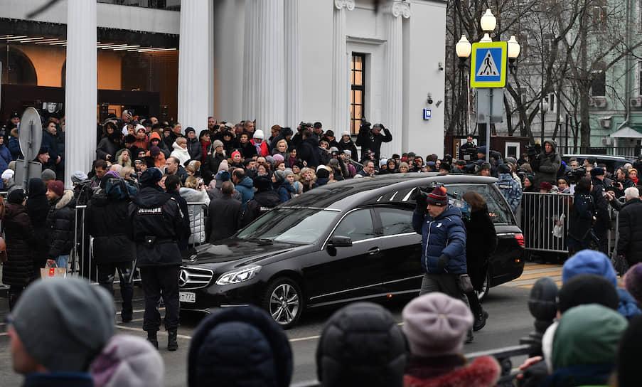 Галина Волчек похоронена рядом со своим коллегой и другом Марком Захаровым. Рядом находятся могилы Олега Табакова и Леонида Броневого