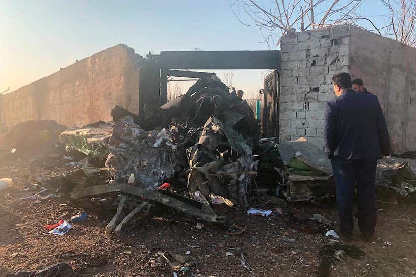 Иран исключает вариант крушения у Тегерана украинского самолета Boeing 737 вследствие столкновения с ракетой. Военные страны сообщили, что все ракеты, выпущенные по военным объектам США в Ираке 8 января, достигли своей цели