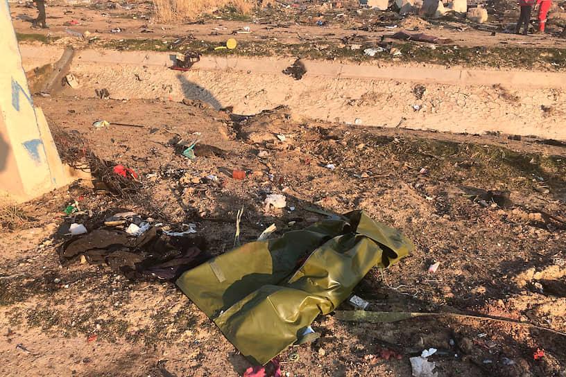 По данным СМИ, спасатели уже обнаружили на месте крушения черный ящик