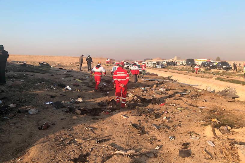 По изначальной версии, авария произошла из-за «технических проблем». Официальный представитель аэропорта позже заявил агентству IRNA, что причиной катастрофы стало возгорание двигателя