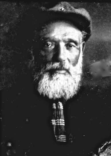 Арон Азимов, дед писателя, владелец крупорушки, которую в статьях и книгах о внуке часто ошибочно называют мельницей (на крупорушке зерно рушится в крупу, на мельнице — мелется в муку)