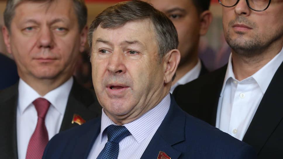 Бывший руководитель фракции коммунистов Петр Медведев
