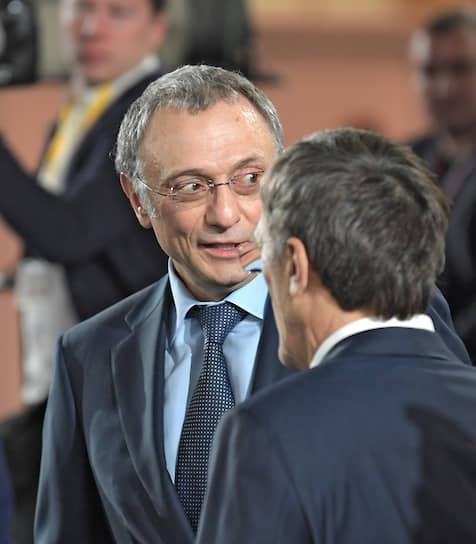 Член Совета федерации Сулейман Керимов (слева)