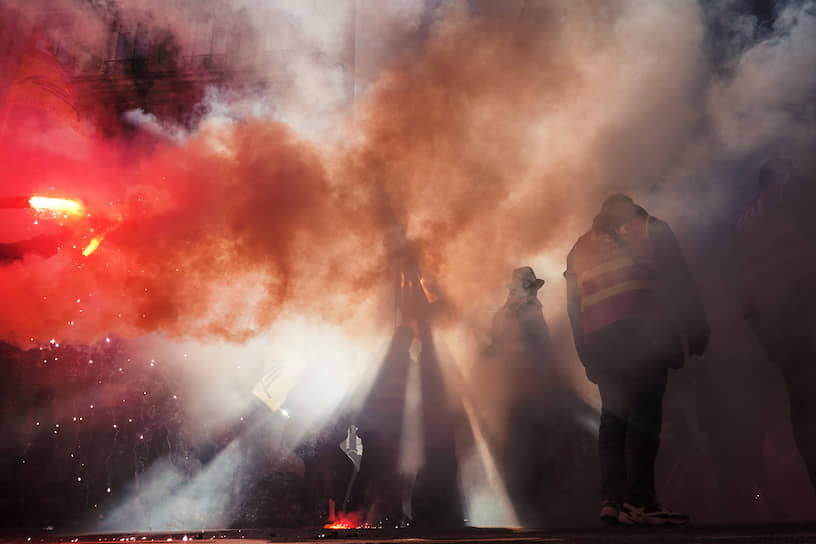 Лион, Франция. Демонстранты во время акции протеста против пенсионной реформы