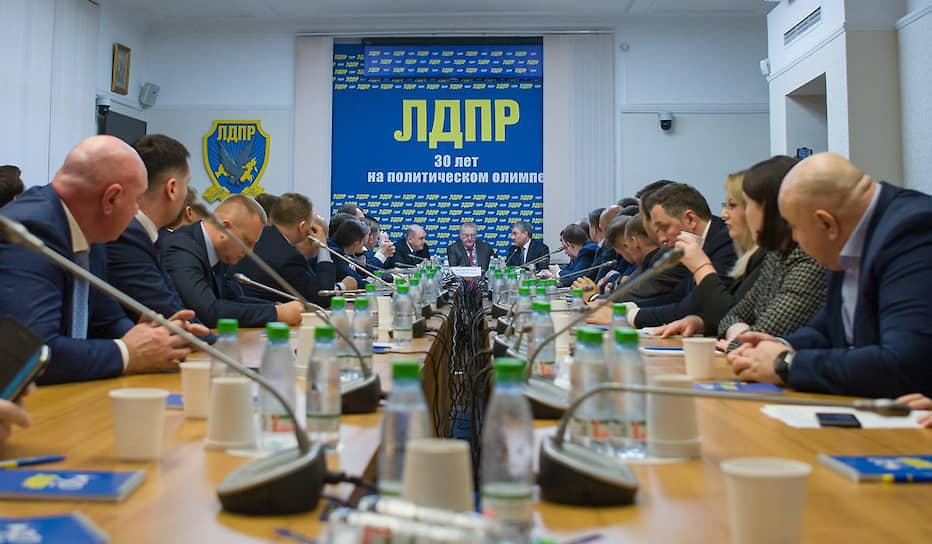 Заседание фракции ЛДПР с участием кандидата на пост премьер-министра Михаила Мишустина