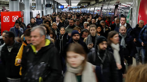 Транспортники где сели, там и слезли  / Парижское метро берется за работу