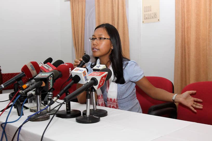 В мае 2009 года 28-летняя летняя Агата Сангма стала министром сельскохозяйственного развития Индии. На своем посту она проработала до октября 2012 года. В настоящий момент является членом нижней палаты парламента Индии
