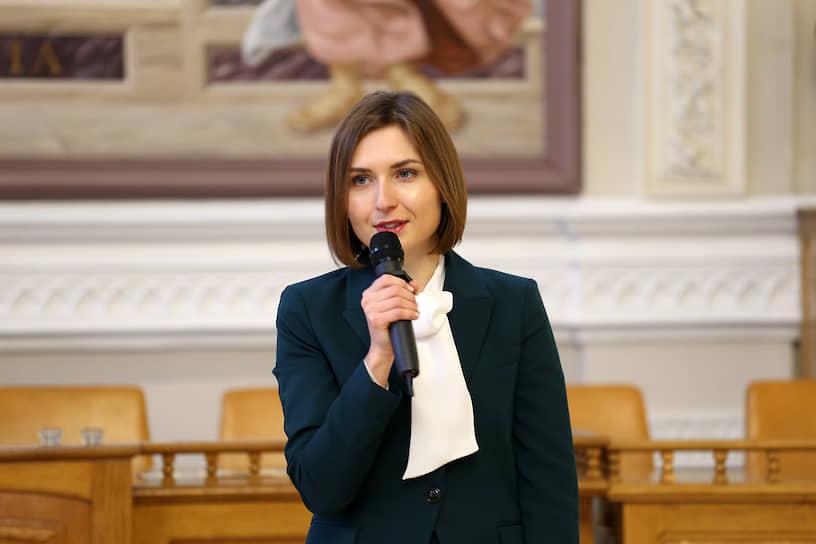 В августе 2019 года 29-летняя Анна Новосад стала министром образования и науки Украины