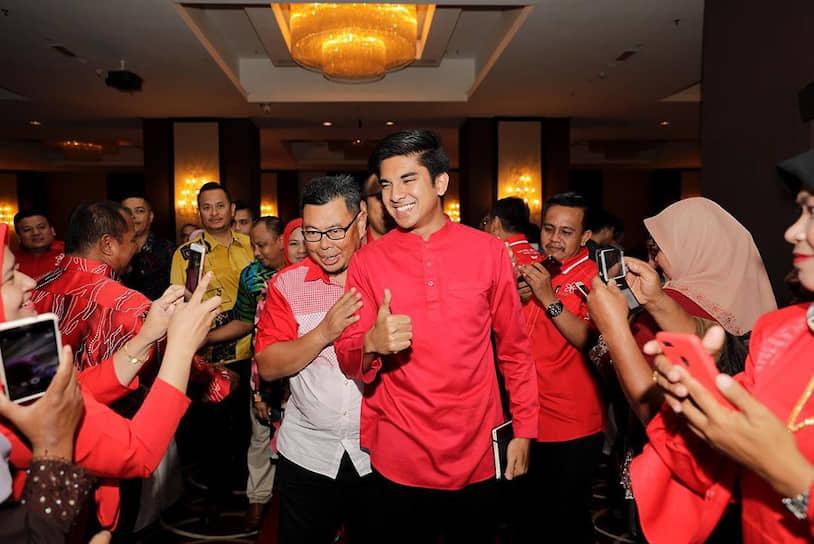 В июле 2018 года 25-летний Сайед Саддик возглавил министерство по делам молодежи и спорта Малайзии